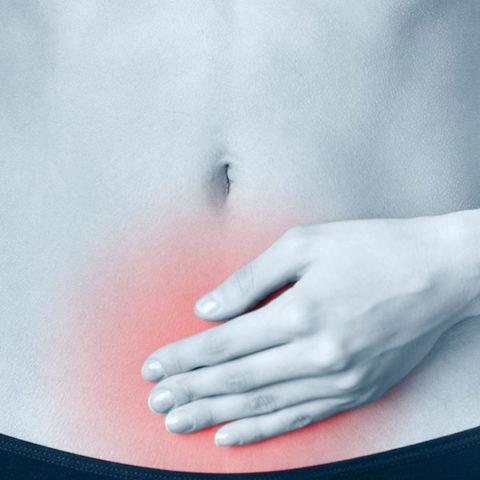 Боль в животе может быть симптомом патологии