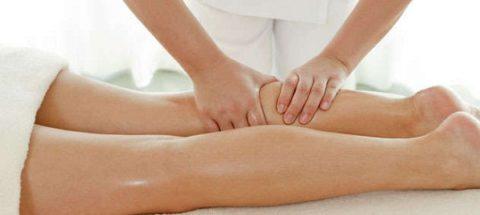 Массаж помогает нормализовать движение крови по сосудам.