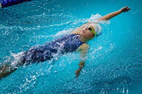 """Плавание — оптимальная замена """"качалке"""""""