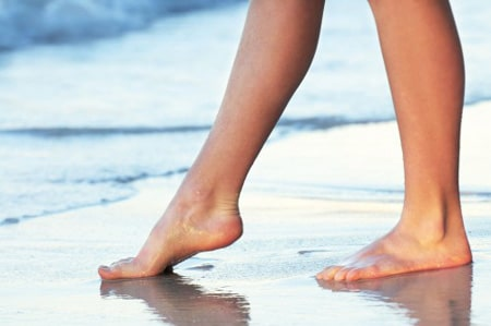 Профилактика варикозного расширения вен – ходьба по воде босиком