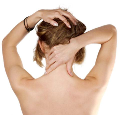 Поглаживания шеи при протрузии