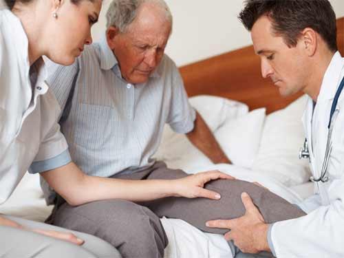 Параличи и парезы - это проблема, с которой сталкиваются более 60% больных.