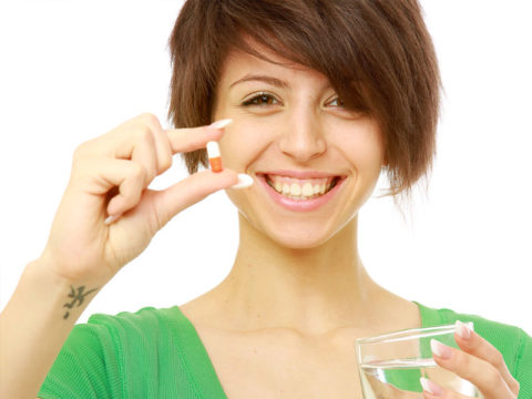 Перед тем, как начать пить витамины, проконсультируйтесь со специалистом