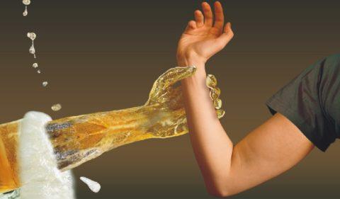 При неразмеренном употреблении спиртного формируется зависимость.