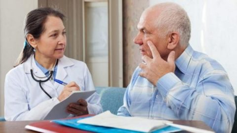 Прохождение ежегодного обследования для пациентов старше 50 лет должно быть обязательным