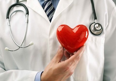 Процесс лечения заболевания должен курировать кардиолог.