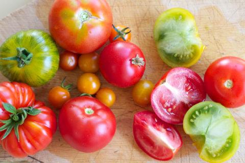 Спелые плоды при варикозе полезно потреблять в пищу.
