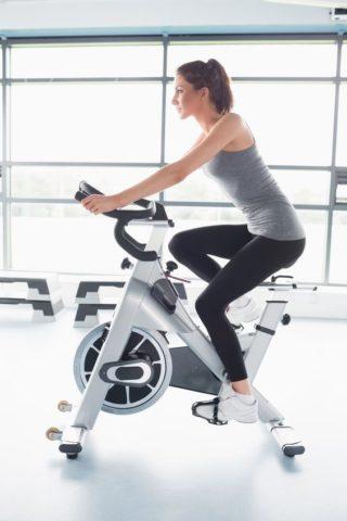 Удачный выбор велотренажера — приятные тренировки даже при варикозе
