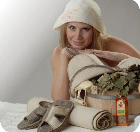 Обязательно пользуйтесь банной шапкой: цена ее невелика, а польза - колоссальна