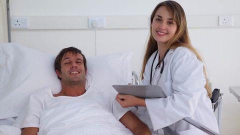 При лапароскопии больной госпитализируется на два дня