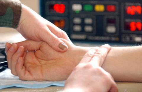Необходимо контролировать частоту сердечных сокращений.