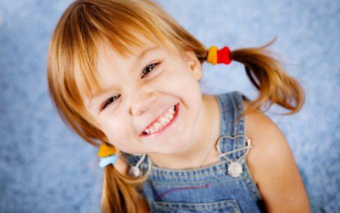 Первые симптомы ВСД могут проявляться в детском возрасте.
