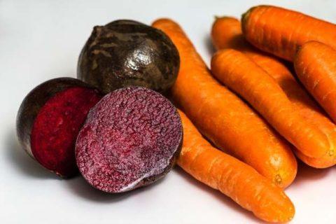 Состояние сосудов поможет улучшить бальзам из свежих овощей, представленных на фото.