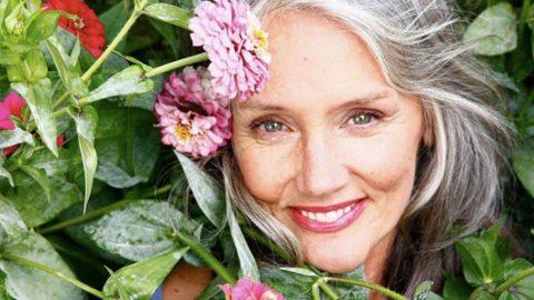 Женщины старше пятидесяти особенно подвержены развитию сосудистых заболеваний.
