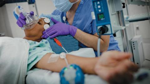 Большинство пациентов нуждаются в интенсивной терапии