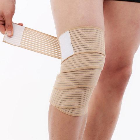 Вместо использования эластичного бинта при варикозе ног гораздо проще пользоваться компрессионным бельем