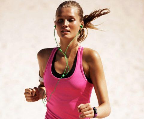 Не зря зачастую на пробежке многие люди слушают громкую музыку.