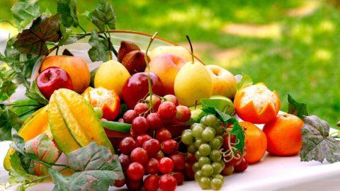 Полезные фрукты и овощи.