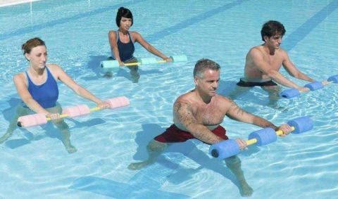 Плаванье показано во время послеоперационной реабилитации