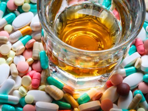 Осторожно совмещать с медикаментами
