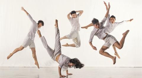 При варикозе танцуйте около 30 минут, не делайте прыжков и ударных движений ногами