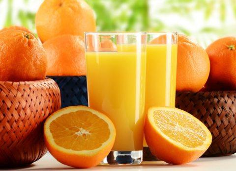 Стакан апельсинового фреша утром натощак – очень полезная привычка