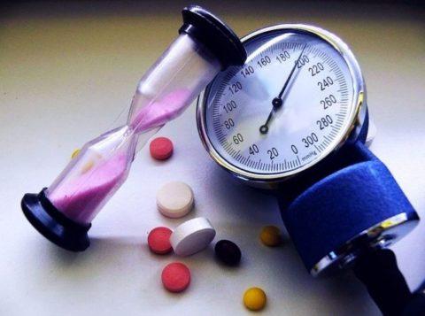 Высокое давление – уже патология, которая может повлечь за собой более серьезные нарушения в работе сердечно-сосудистой системы