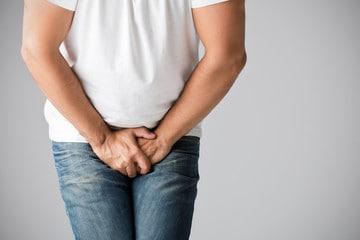 Боль и отёк – возможные осложнения при операции варикоцеле