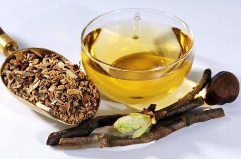 Для лечения можно использовать соцветия, кору и плоды каштана.