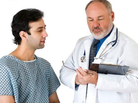 С проблемой мужского варикоза можно обратить к флебологу, хирургу или андрологу