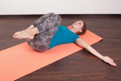Выполнение специальных комплексов упражнений значительно облегчает симптомы варикоза