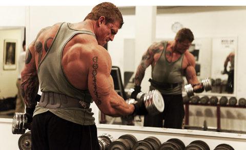 Занятия силовыми видами спорта может стать одной из причин