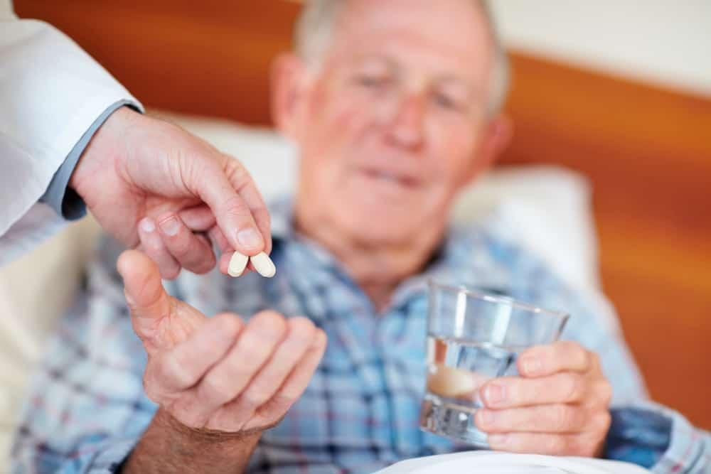 При атеросклерозе важно принимать назначенные таблетки каждый день