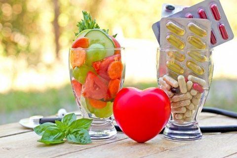 Два источника полезных для организма компонентов – поступление с пищей или в таблетках