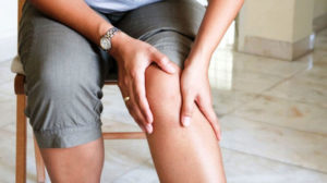 Дискомфорт в ногах как первый признак варикоза.