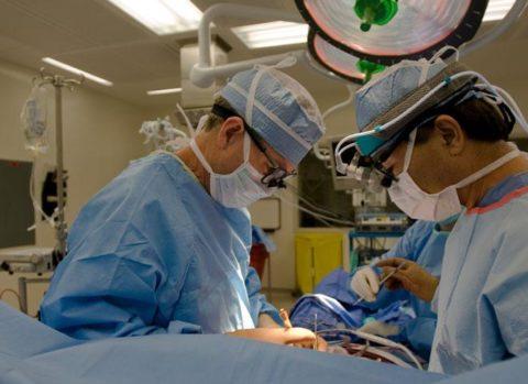 При неэффективности медикаментозной терапии необходима операция