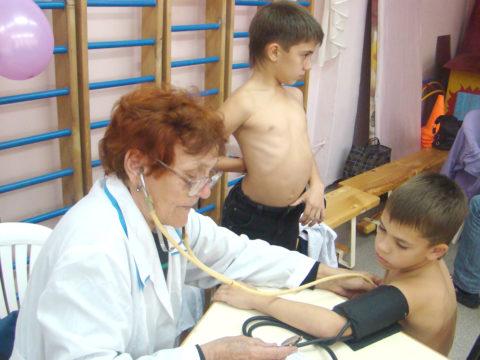 Большинство диагнозов варикоцеле устанавливается во время школьных медосмотров