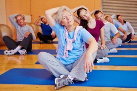 Лечебная физкультура и массаж - это лучшие способы восстановления кровообращения на определенных участках.