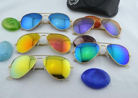 Солнцезащитные очки это не только стильно, но и полезно.