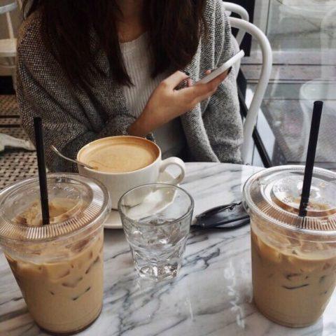 Утренний кофейный ритуал — вполне привычное для некоторых действо