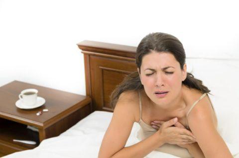 Внезапная боль в сердце (чаще в ночное время) – возможный признак спазма коронарных артерий