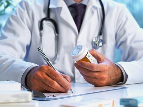 Любые лекарства принимайте только после назначения врача