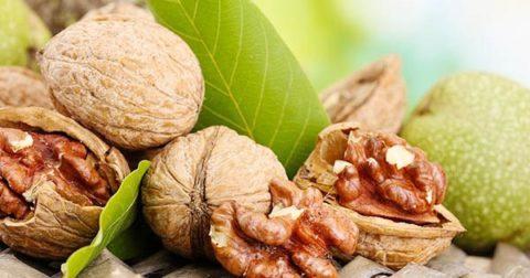 Мягко и эффективно очистить организм поможет ореховая настойка