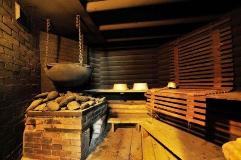 Первые комнаты гигиены топились по-черному (см. фото)