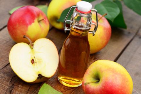 Яблочный уксус – натуральное и полезное средство для чистки сосудов.