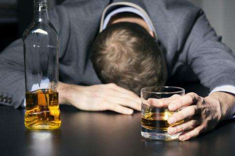 Действие этанола на сердечно-сосудистую систему находится в прямой зависимости от количества употребленного алкоголя