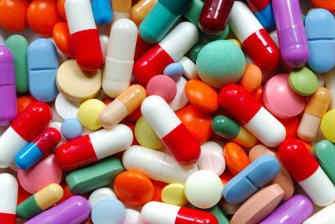 Для оздоровления системы сосудов рекомендуется принимать поливитаминные препараты.