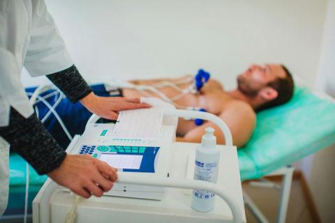 Кардиограмма - первый анализ, указывающий на сердечные патологии