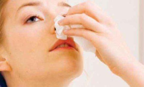 Кровотечение из носа как симптом слабости капилляров.