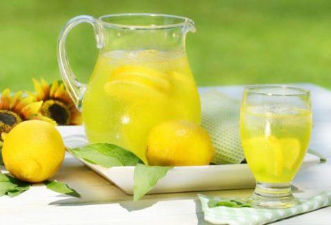 Лимонный напиток с медом